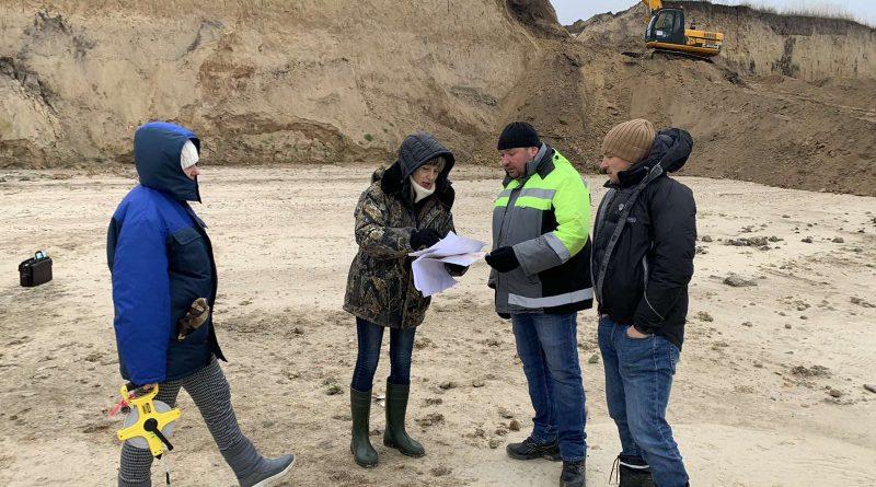 Тривають роботи з берегоукріплення Кременчуцького водосховища